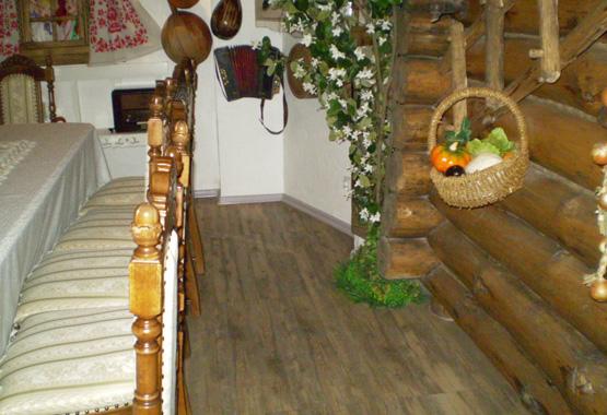 Ресторан в украинском стиле.  Creation wood.  ПВХ-плитка Gerflor.